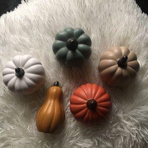 Halloween decor pumpkin set